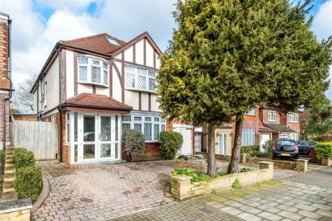 Dalkieth Grove, Stanmore, Middlesex. 6 bedroom detached house for sale