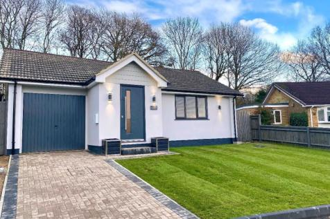 Cedar Crescent, Horndean, Waterlooville. 4 bedroom bungalow for sale