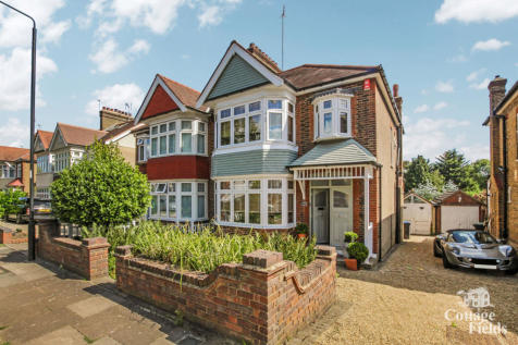 Park Drive, Winchmore Hill, N21 - Stunning Property with 310ft Garden and Bundles of potential. 3 bedroom semi-detached house for sale