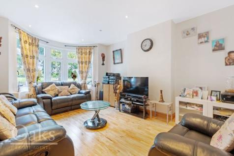 Lower Addiscombe Road, Addiscombe. 4 bedroom terraced house