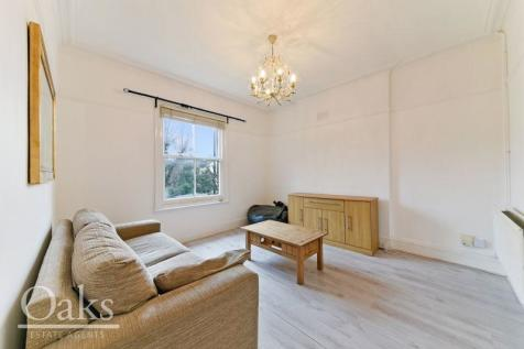 South Park Hill Road, South Croydon. 1 bedroom flat