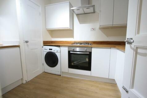 Effra Road, London, SW2. 2 bedroom flat