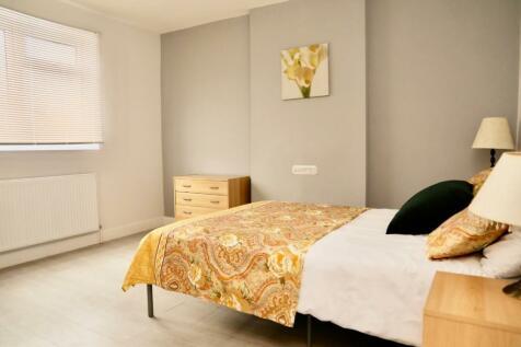 Hassocks Road, London, SW16. 6 bedroom terraced house