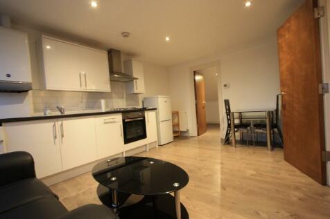 Shepherds Bush Road, London, W6. 1 bedroom flat
