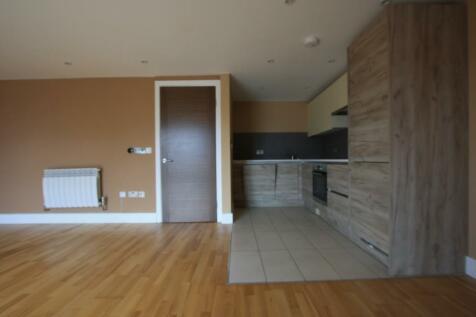 London Road, Kingston Upon Thames, Surrey, KT2. 2 bedroom flat