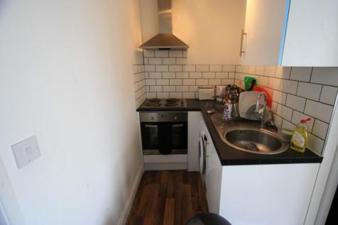 Brixton Road, London, SW9. 2 bedroom flat