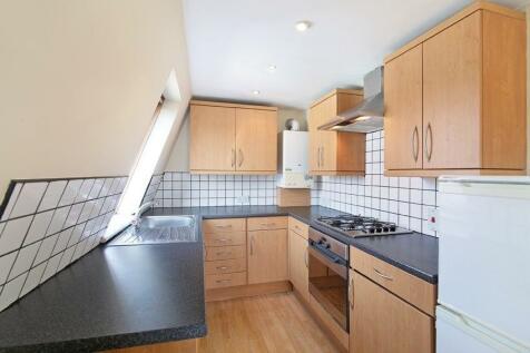 Russell Road, London, SW19. 2 bedroom flat