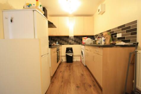 Cheesemans Terrace, London, W14. 2 bedroom flat