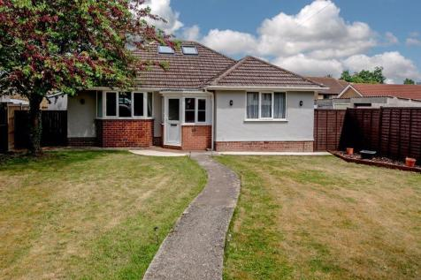 Bishops Hull, Taunton. 4 bedroom detached bungalow