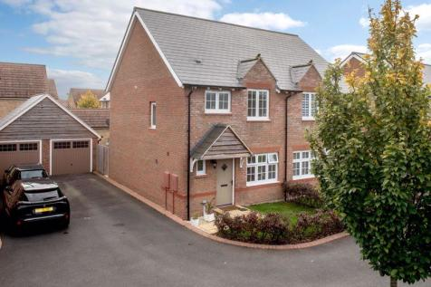 Leaches Mead, Taunton. 3 bedroom semi-detached house for sale