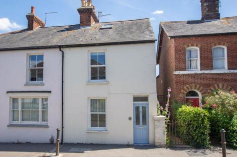 Wingham. 3 bedroom semi-detached house