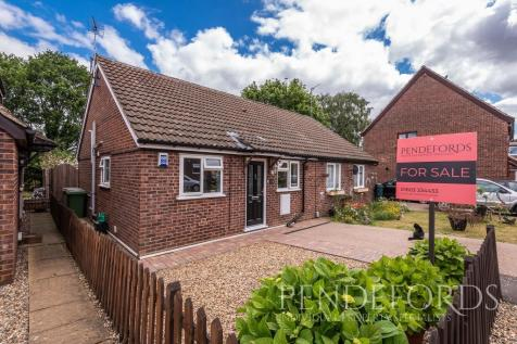Edgefield Close, Old Catton. 2 bedroom chalet for sale