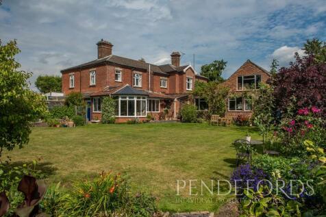 Mill Road, Loddon. 5 bedroom semi-detached house for sale