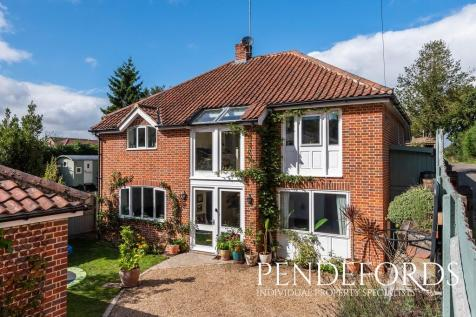 Church Street, Coltishall. 5 bedroom detached house for sale