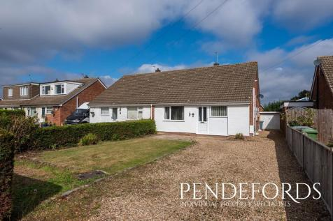 Blofield Corner Road, Blofield Heath. 3 bedroom semi-detached bungalow for sale