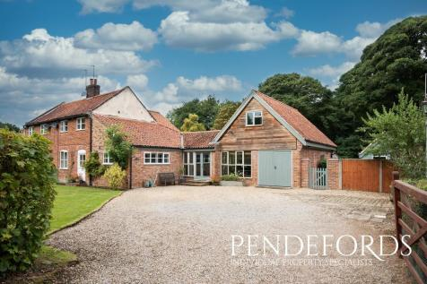 Scottow Row, Scottow. 4 bedroom semi-detached house for sale