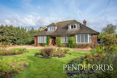 Westbourne Road, Coltishall. 4 bedroom detached bungalow for sale