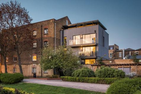 Tyers Gate, London, SE1. 4 bedroom town house for sale