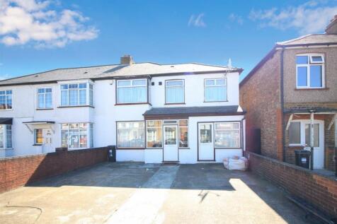 Martindale Road, Hounslow, TW4. 5 bedroom semi-detached house