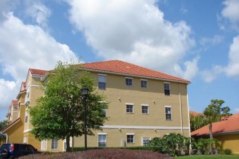 Tampa, Hillsborough County, Florida. 2 bedroom apartment for sale