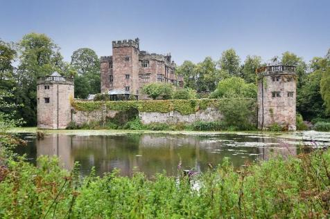 Caverswall Castle. 14 bedroom castle