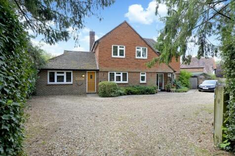 Wanborough Lane, Cranleigh. 4 bedroom detached house