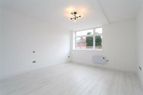 Dalston Gardens, Stanmore, HA7. Studio flat