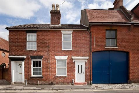Rollestone Street, Salisbury. 3 bedroom house