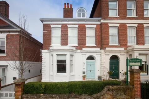 Wyndham Road, Salisbury. 5 bedroom semi-detached house