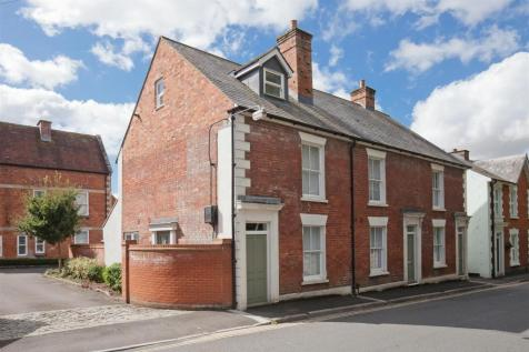 Bedwin Street, Salisbury. 3 bedroom end of terrace house