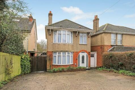 Castle Road, Salisbury. 3 bedroom house for sale