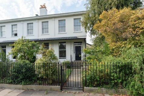 Prestbury Road, Cheltenham. 6 bedroom house for sale