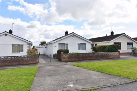 Cefn Hengoed Road, Winch Wen. 3 bedroom detached bungalow for sale