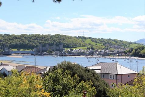 PENTHOUSE, VARDRE APARTMENTS, 10 Ty Mawr Road, Deganwy, Conwy, LL31 9UD. 3 bedroom penthouse