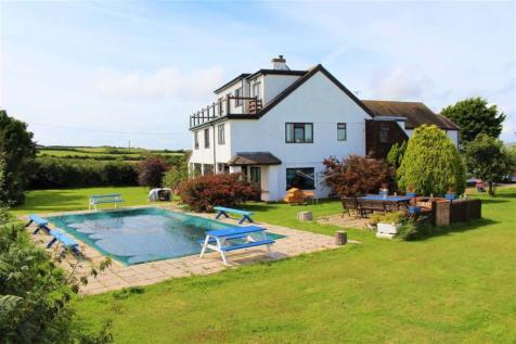 High Winds, Port Eynon. 13 bedroom detached house