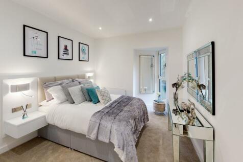 High Road, Ickenham Village. 1 bedroom apartment