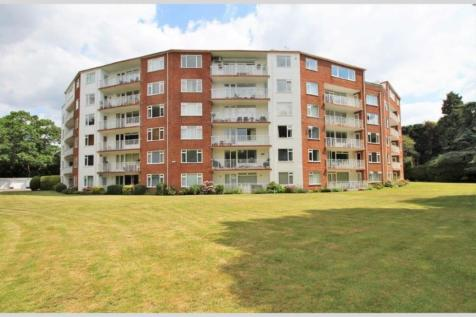 The Avenue, Branksome Park, BH13 6AJ. 4 bedroom penthouse