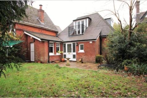 Pinewood Road, Branksome Park, BH13 6JS. 3 bedroom semi-detached house