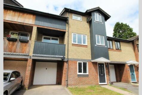 Alumhurst Road, Westbourne, BH4 8ER. 3 bedroom town house
