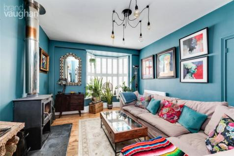 College Place, Brighton, East Sussex, BN2. 4 bedroom terraced house
