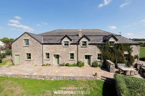 Newmarket Road, Dyserth Outskirts. 6 bedroom character property for sale