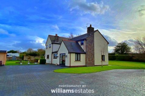 Lloc, Holywell. 4 bedroom detached house