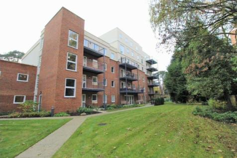 Tower Road, Branksome Park, BH13 6JA. 2 bedroom apartment