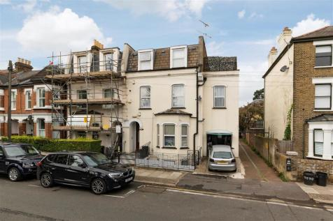 Merton Road, First Floor, London. 2 bedroom apartment