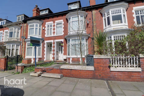 Lawn Road, Doncaster. 4 bedroom terraced house for sale