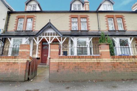 Christ Church Road, Doncaster. 9 bedroom end of terrace house