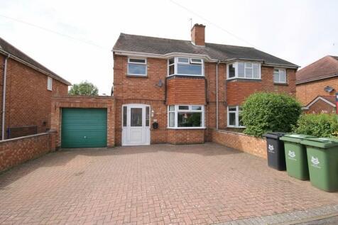 Blenheim Road, St Johns, Worcester, WR2 5NQ. 5 bedroom semi-detached house