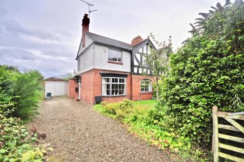 Enisa View, Long Lane, Saughall. 3 bedroom semi-detached house