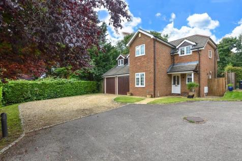 Whittlebury Road, Silverstone. 5 bedroom detached house for sale