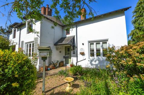 Barn Corner, Collingtree. 3 bedroom semi-detached house